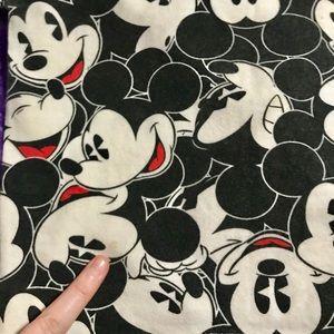 Disney Tops - Disney crop top